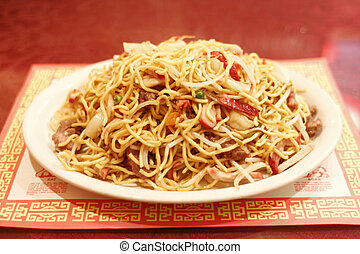 Chinese chow mein noodles with meat