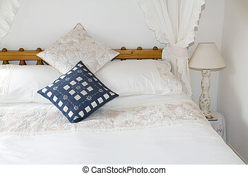 Four Poster Bed Classical Style - Four poster bed made up...