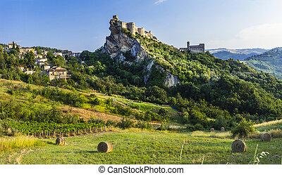 Roccascalegna - impressive castle over rock in Abruzzo,...