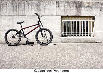 Um, BMX, bicicleta