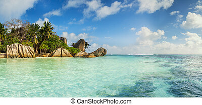 Beautiful beach of Seychelles, island La Digue, Anse Source...