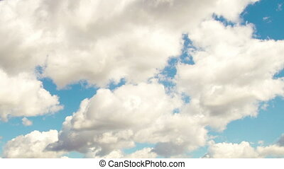4k Time lapse daytime sky with fluffy clouds - Time lapse...