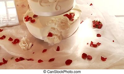 Wedding Cake With Roses - Wedding Flan