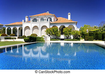 Outdoors - A modern and luxurious residence - Lifestyle...