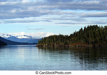 Prince William Sound Alaska landscape - Mountains, glaciers,...