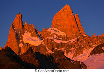 Fitz Roy - Famous Cerro Fitz Roy - one of the most beautiful...
