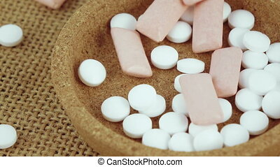 Mint tablets and chewing gum - Fall mints and chewing gum in...