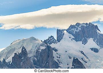 Snowy Mountains. Parque Nacional Los Glaciares, Patagonia -...