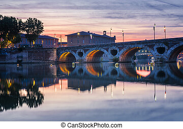 Pont Neuf in Toulouse at sunset - Historic Pont Neuf at...