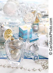 Place setting - Luxury place setting in white for Christmas...