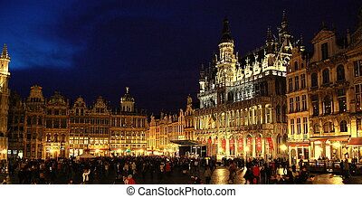 Grand Palace, Brussels - Night view of the Grand palace of...