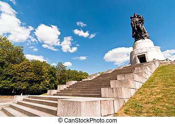 Berlin monument Soviet soldiers V2 - Memorial Soviet...