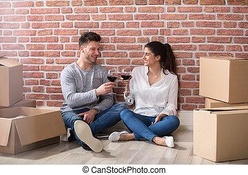 coppia, occhiali, loro, nuovo, casa, tostare, vino