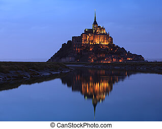 Night at Saint Michel monastry - Night image of the Monastry...