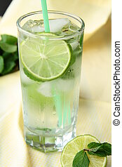 Cocktail lemonade - Lemonade cocktail with lime and mint ice...