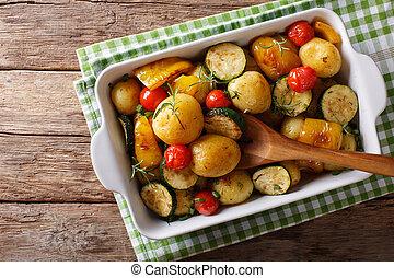 abobrinha, pimenta, assando, sino, batatas, topo,  close-up, Novo, horizontais, prato, ASSADO, tomates, vista