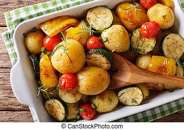 abobrinha, pimenta, prato, assando, batatas, topo,  close-up,  vegan, horizontais,  food:, ASSADO, tomates, vista