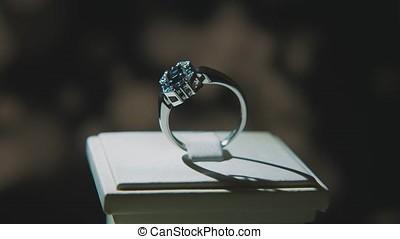 Precious diamond rings. Fine luxury diamond jewellery window...