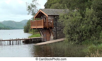 boarhouse - boathouse on the side of a lake
