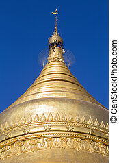 Shwedagon Pagoda in Yangon, Myanmar. - Golden stupa in...