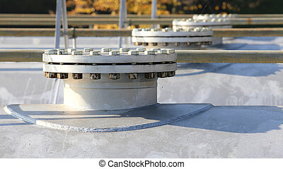 closed cap with steel bolt into the cistern of the methane gas i