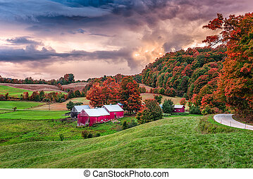 Vermont Autumn Farms - Rural autumn Jenne Farm in Vermont,...