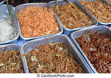 chinese chow mein noodles