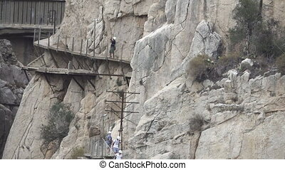 'El Caminito del Rey' zoom out from the route end - Zooming...