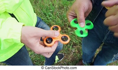 fidget spinner, popular relaxing toy, generic design -...