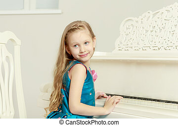 Beautiful little girl 5-6 years. - Caucasian little girl...