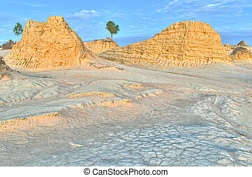 Mungo NP - Ancient sand dunes and erosion patterns on the...