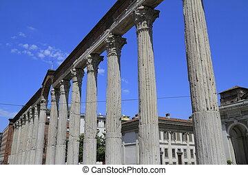 Colonne di San Lorenzo - St Lawrence columns - Colonne di...