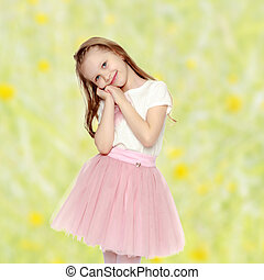 Beautiful little girl 5-6 years. - Beautiful little blonde...