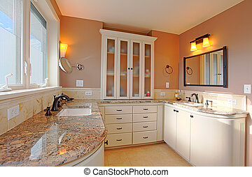 Bathroom in master bedroom - Top quality bathroom in Tacomas...