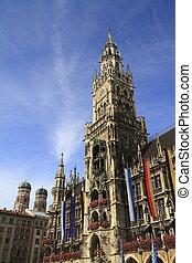 New Town Hall (Rathaus) in Marienplatz, Munich, Germany