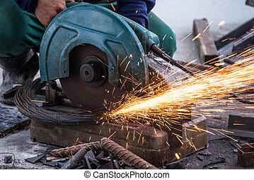 Metal cutting machine at work