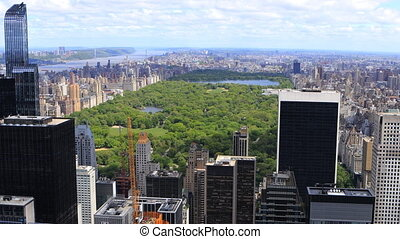Aerial view of the Midtown Manhattan area and Central Park -...