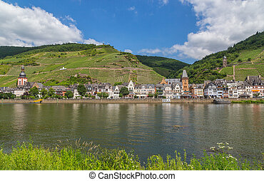 Zell at the Moselle panorama.