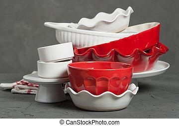 Ceramic Bakeware, Ovenware. Bakery Kit. Ruffled Pie Dish. -...