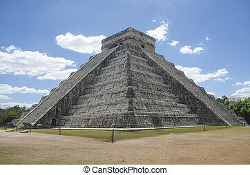 Kukulcan Castle - Main building at Chichen Itza, Mexico