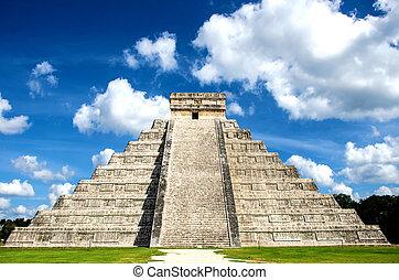 Kukulcan Castle at Chichen Itza - Main mayan building at...