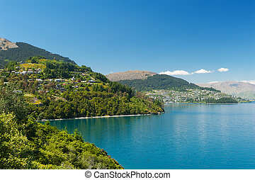 Lake Wakatipu - Beautiful blue lake Wakatipu near Queenstown...