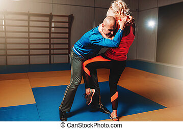 Womens self defense workout with instructor - Womens self...