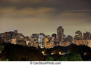 Sao Paulo Skylie - Night view of the Itaim neighborhood in...