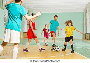 escuela, fútbol, juego, deportes, niños, vestíbulo