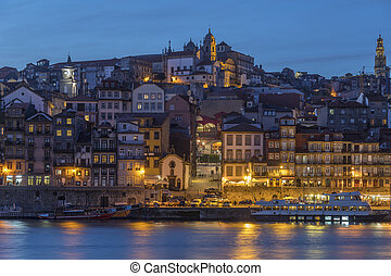 Ribeira - Porto (Oporto) in Portugal - Dusk over the Ribeira...