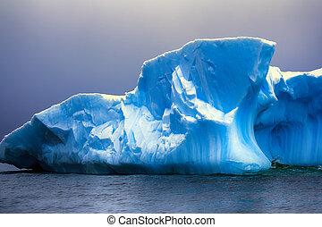 Iceberg fanciful shapes, blue fresh ice - Iceberg fanciful...