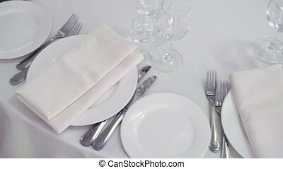 Plates in restaurant - Plates and glasses in restaurant