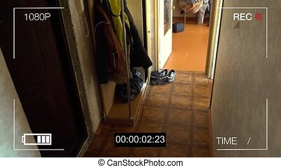 CCTV camera caught thief with a crowbar broke into the...