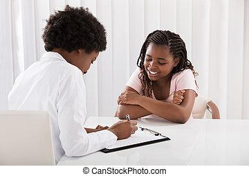 Doctor Write Prescription - Doctor Writing Prescript In...